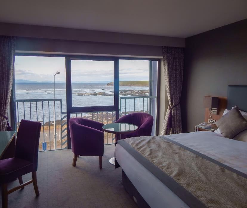 Allingham Arms Hotel Beroom with sea view
