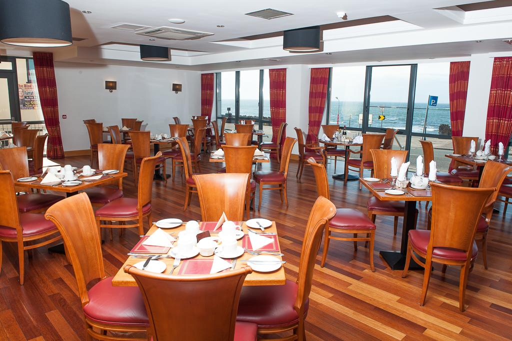 Allingham Arms Hotel dining room