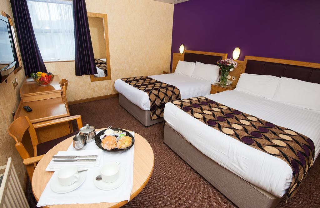 Allingham Arms Hotel in Bundoran double room