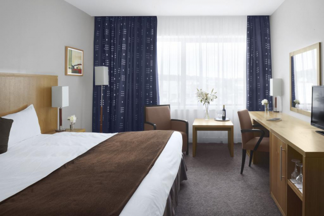 Radisson Hotel Letterkenny bedroom 2